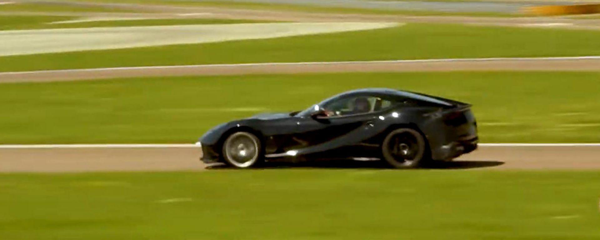 In un video YouTube la nuova Ferrari 812 Superfast in pista: sarà GTO?