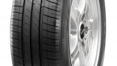 Vista 3/4 della CST Tires Marquis MR61