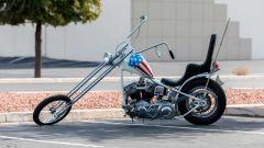 Vista laterale della replica dell'Harley-Davison Panhead 1963 del film Easy Rider