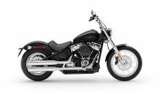 Vista laterale destra dell'Harley-Davidson Softail Standard 2020