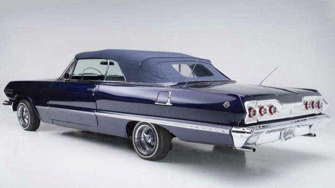 Vista posteriore della Impala di Kobe Bryant