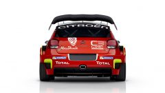Visuale posteriore con lo scarico singolo e il generoso alettone posteriore - Citroen C3 WRC
