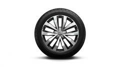 Volkswagen Amarok Aventura V6 monta cerchi fino a 20 pollici