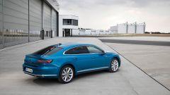 Volkswagen Arteon 2020 eHybrid: la versione plug-in