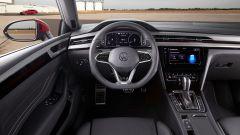 Volkswagen Arteon 2020 eHybrid R Line Shooting Brake: la posizione di guida
