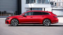 Volkswagen Arteon 2020 eHybrid R Line Shooting Brake: visuale laterale