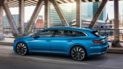 Volkswagen Arteon 2020 Elegance: visuale di 3/4 posteriore