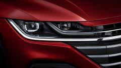 Volkswagen Arteon 2020 versione R-Line: particolare dei nuovi gruppi ottici