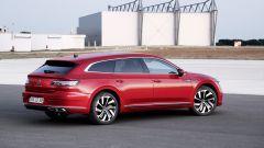 Volkswagen Arteon eHybrid: l'allestimento R-Line