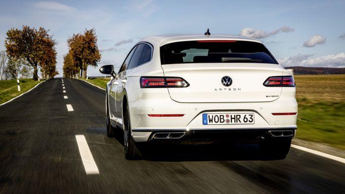 Volkswagen Arteon eHybrid: visuale posteriore