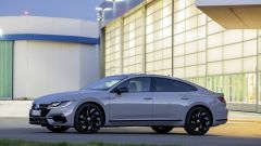 Volkswagen Arteon R-Line: visuale laterale