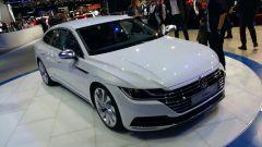 Volkswagen Arteon, Salone di Ginevra 2o17, anteprima, vista frontale