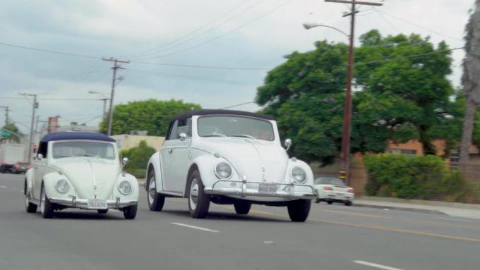 Volkswagen Beetle Huge Bug: i due modelli a confronto su strada