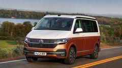 Volkswagen California 6.1: visuale di 3/4 anteriore