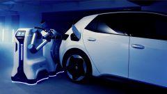 Robot caricabatterie, Volkswagen fa sul serio. Guarda il video - Immagine: 7