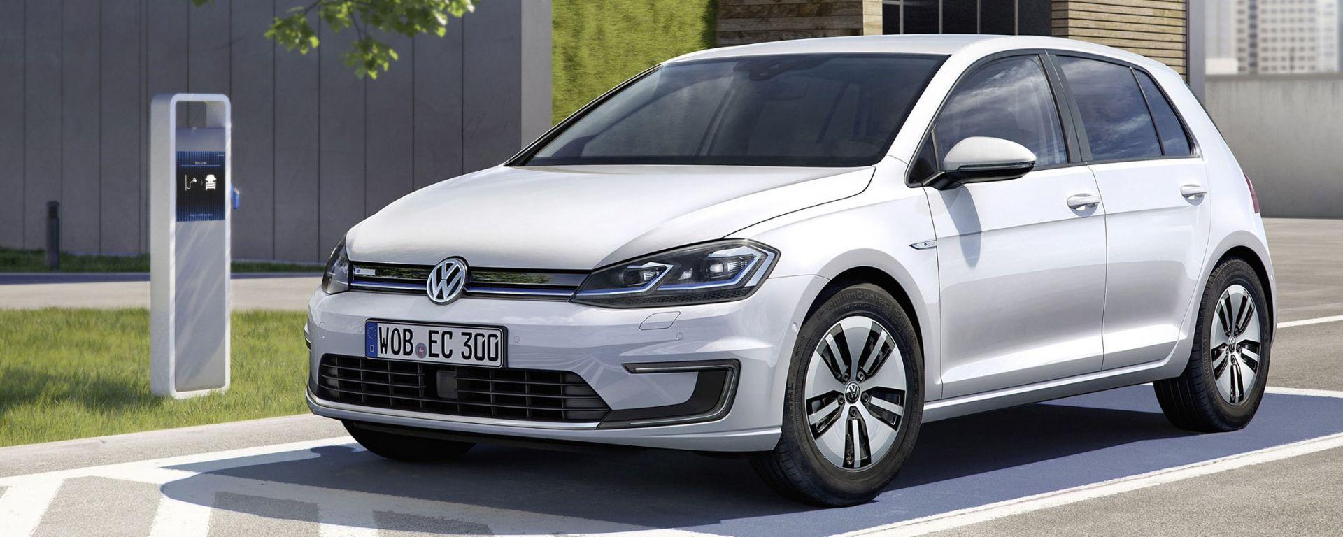 Volkswagen e-Golf: da colonnine speciali basta 1 ora per recuperare l'80% della carica