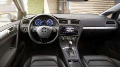 Volkswagen e-Golf ha strumentazione digitale e infotainment a comandi gestuali