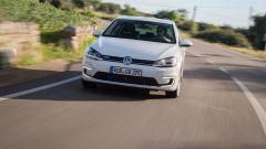 Volkswagen e-Golf: la compatta elettrica tedesca raggiunge i 150 km/h di velocità massima
