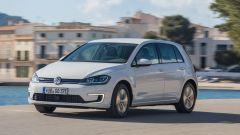 Volkswagen e-Golf: molto buono l'assetto, morbido e in grado di assorbire tutte le asperità del terreno