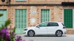Volkswagen e-Golf: vista laterale