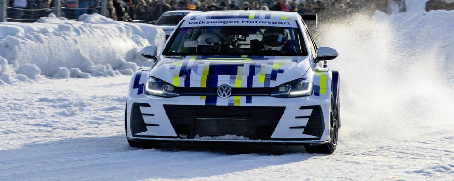 Volkswagen eR1: il frontale