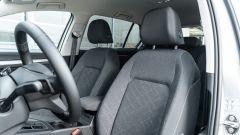 Volkswagen Golf 1.0 eTSI DSG Life, i sedili anteriori