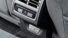 Volkswagen Golf 1.0 eTSI DSG Life, prese USB per i sedili posteriori