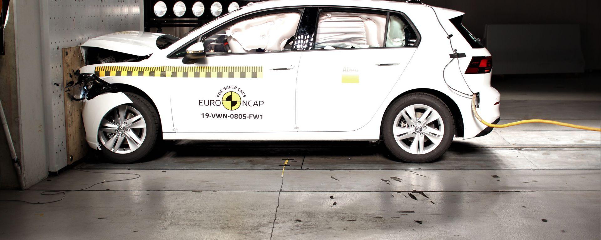 Volkswagen Golf 8, 5 stelle ai test Euro NCAP