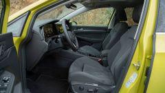 Volkswagen Golf 8, i sedili anteriori