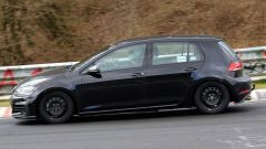 """Volkswagen Golf 8: nuove foto """"rubate"""" - Immagine: 11"""