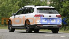 Volkswagen Golf Alltrack 2021: visuale posteriore