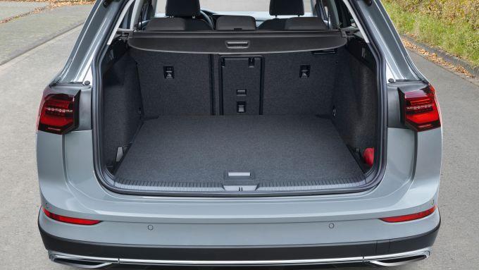 Volkswagen Golf Alltrack: invariato il bagagliaio da 661 litri