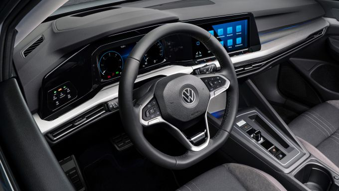 Volkswagen Golf Alltrack: la postazione di guida