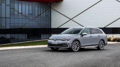 Volkswagen Golf Alltrack: visuale di 3/4 anteriore