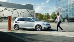 Volkswagen Golf-e: vista laterale