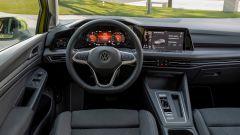 Volkswagen Golf eHybrid: gli interni