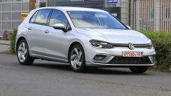 Volkswagen Golf GTE 2020: vista 3/4 anteriore
