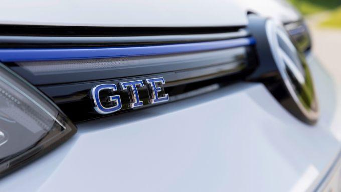 Volkswagen Golf GTE: il logo GTE