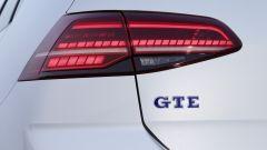 Volkswagen Golf GTE restyling: gli indicatori di direzione posteriori sono dinamici