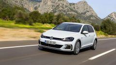 Volkswagen Golf GTE restyling: il comportamento su strada è come quello di una Golf normale