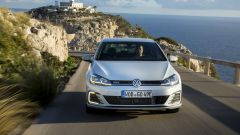 Volkswagen Golf GTE restyling: la coppia è di 350 Nm