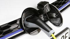 Volkswagen Golf GTE restyling: la presa di corrente per ricaricare le batterie