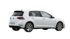 Volkswagen Golf GTE restyling: vista 3/4 posteriore