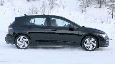 Volkswagen Golf GTI 2020: visuale laterale
