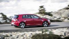 Volkswagen Golf GTI: i cerchi in lega misurano 18 pollici