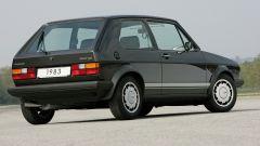 Volkswagen Golf GTI Mk I del 1983: visuale di 3/4 posteriore