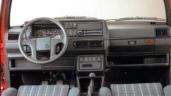 Volkswagen Golf GTI Mk II: gli interni della versione 16V
