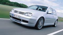 Volkswagen Golf GTI Mk IV 25th Anniversaryi: visuale di 3/4 anteriore