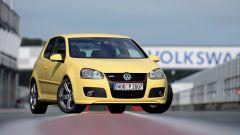 Volkswagen Golf GTI Mk V Pirelli: visuale di 3/4 anteriore