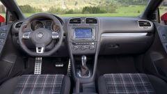 Volkswagen Golf GTI Mk VI cabrio: gli interni